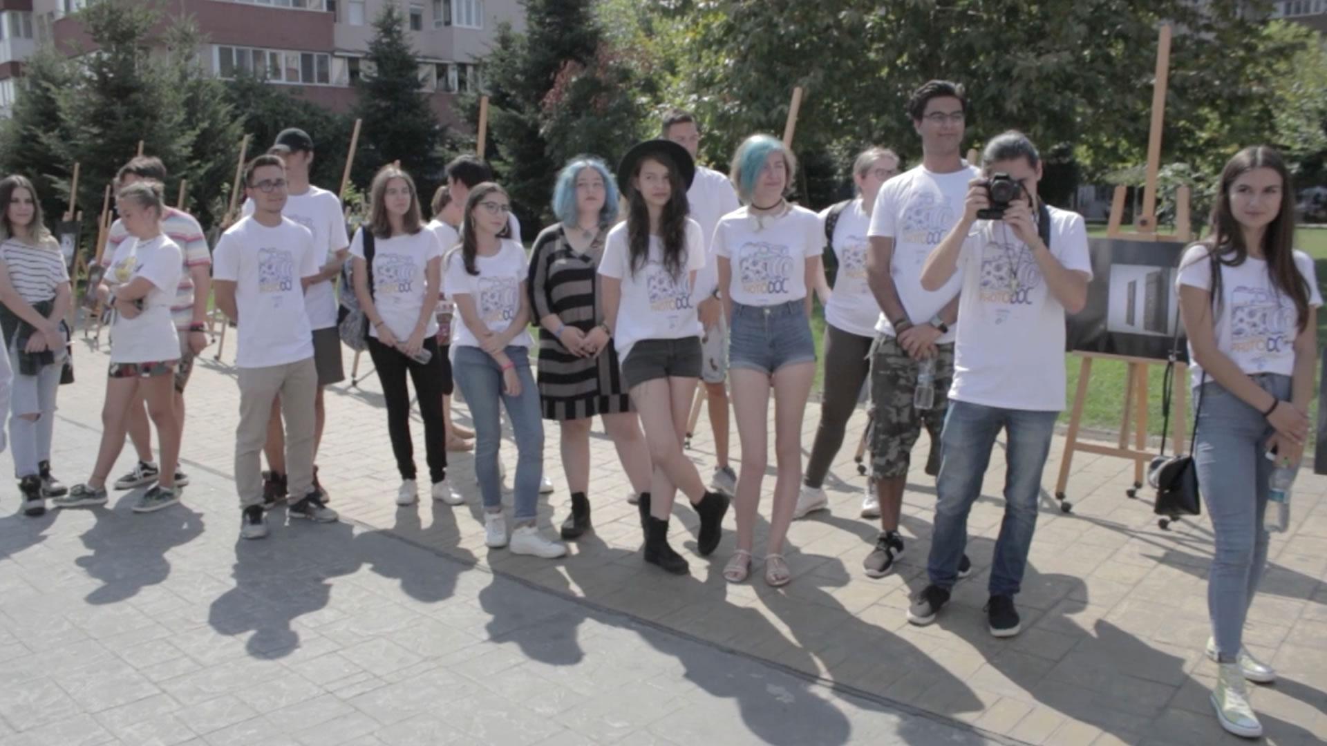 PhotoDoc – primul atelier de fotografie documentară la Târgu-Jiu susținut de Academia Docuart